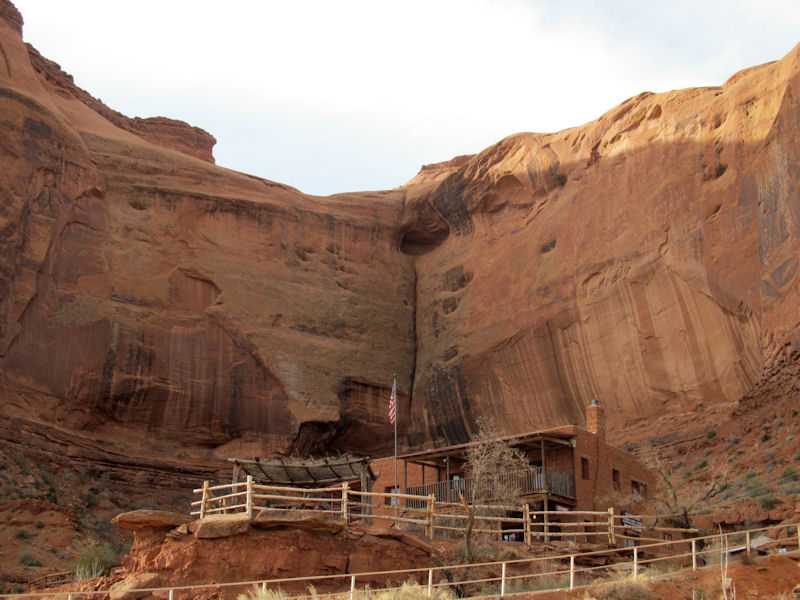 monument valley chat sites Utah chat rooms discuss utah with other people interested in utah issues and events home | monument valley has been the scenery of many western movies.